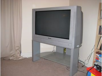 Panasonic Tx 36PL30 36 Inch Tv With Stand Reading UK