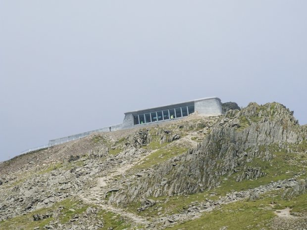 Snowdon_and_Eve_2008_620_125