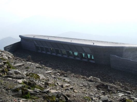 Snowdon_and_Eve_2008_620_150