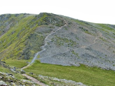 The contouring path is clear in this image and is the best route to bag Yr Elen from a traverse of The Carneddau