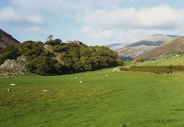 Castell y Bera and Dysynni Valley Walk from Abergynolwyn ...