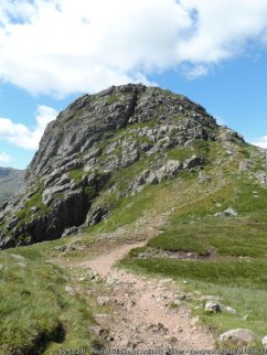 Walk up The Langdale Pikes