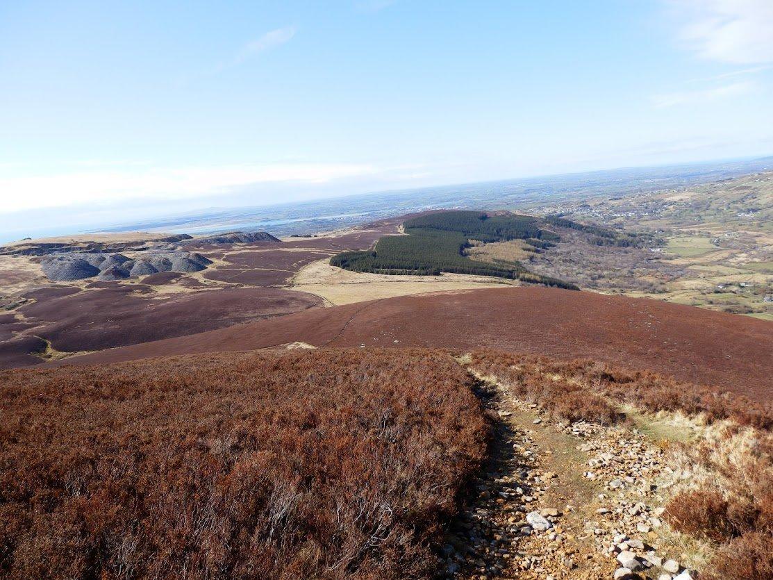 Mynydd Mawr From y Fron via Craig y Bera