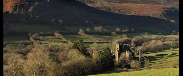 Walk from Llanthony – The queen, the monk and stone of revenge