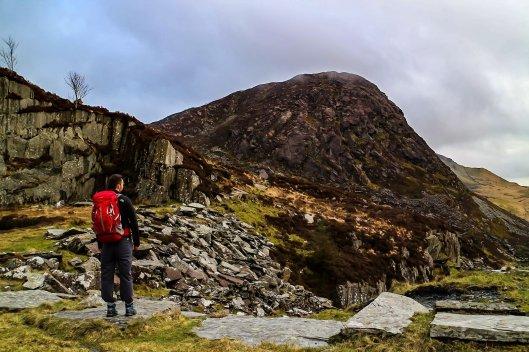 Walk to Llyn Llywelyn and Cwm Trwsgl from Rhyd Ddu