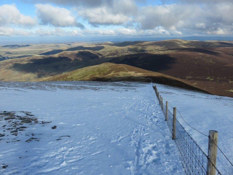Path down to Bakestall