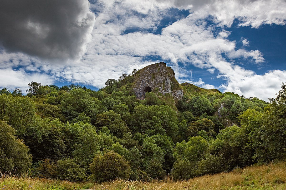 Thor's Cave Walk - Best Walks in the Peak District