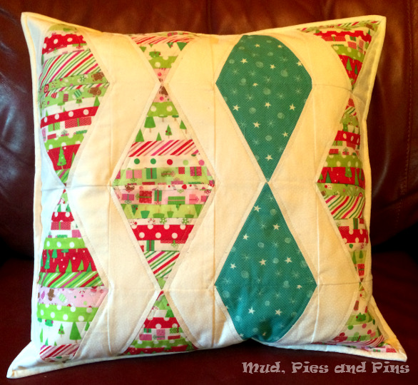 Festive pillow | Mud, Pies and Pins
