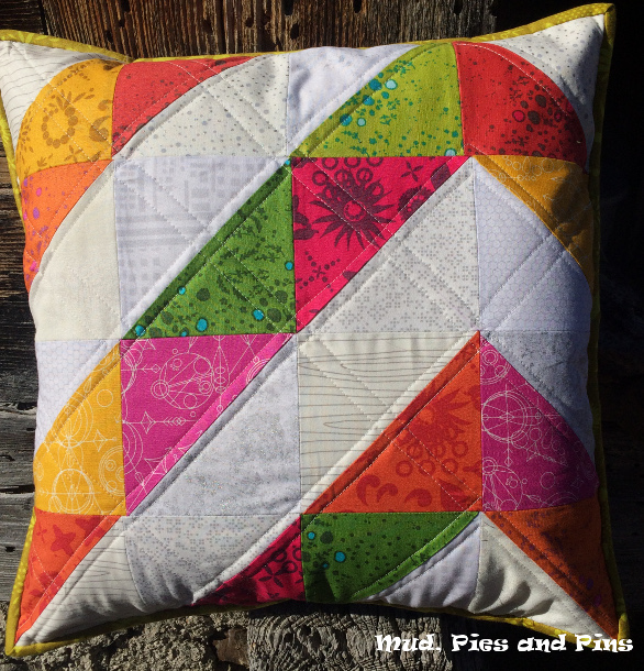 HST Spring Pillow | Mud, Pies and Pins