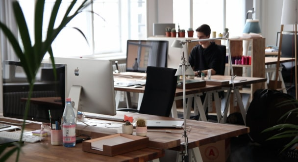 Equipos básicos para acondicionar una oficina