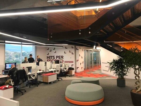 Las tendencias en oficinas se alejan de los extremos: ni cubículos aislados, ni espacios muy abiertos