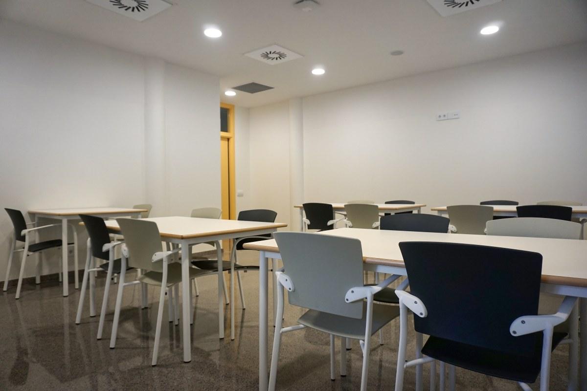 mesas comedor a medida canto de haya barnizado personalizadas silla colectividades comedor sillas eina enea
