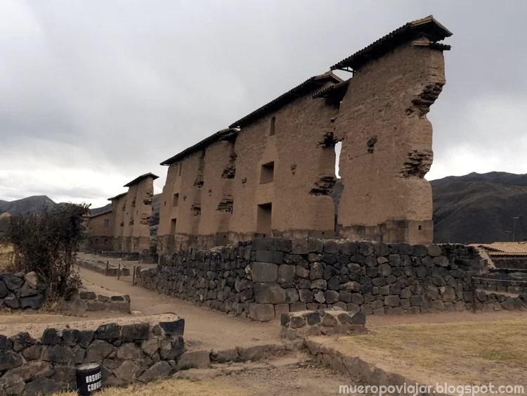 Ruinas de Raqchi que aún se mantienen en pie