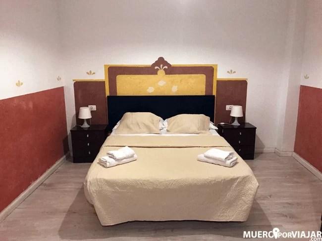 La decoración de la habitación en el Hotel Horizonte es bastante escasa