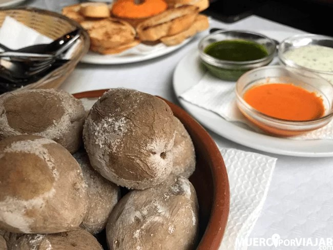 La gastronomía Canaria en un guachinche de Santa Cruz de tenerife