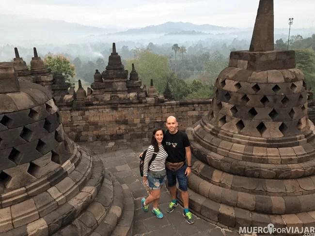Siempre hay alguien dispuesto para hacerte una foto en Borobudur