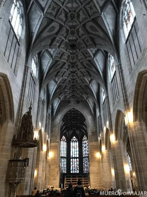 El interior de la catedral de Bern
