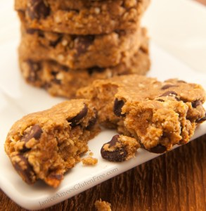 Quinoa Peanut Butter & Chocolate Chip Cookies