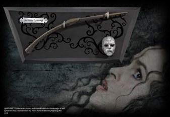 ไม้กายสิทธิ์ของเบลลาทริกซ์ เลสแตรงจ์พร้อมแท่นโชว์ (Bellatrix Lestrange Wand)