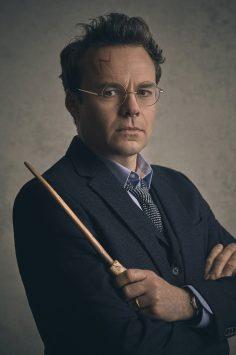Jamie Glover รับบท แฮร์รี่ พอตเตอร์