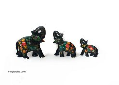 Black elephant figurines,