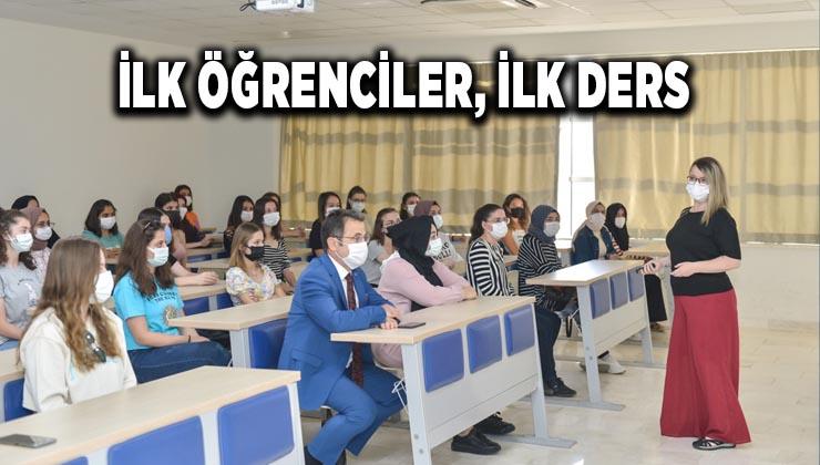 İlk öğrenciler, ilk ders