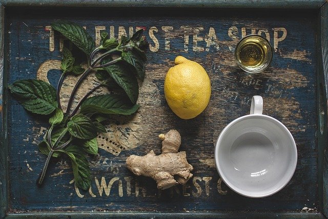 Green Tea with Ginger and Lemon