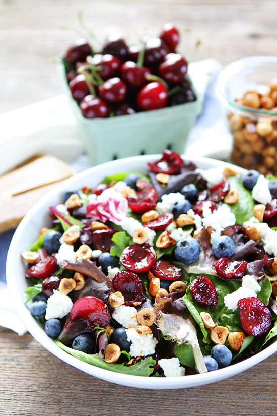 Balsamic-Grilled-Cherry-Blueberry-and-Goat-Cheese-Salad-6