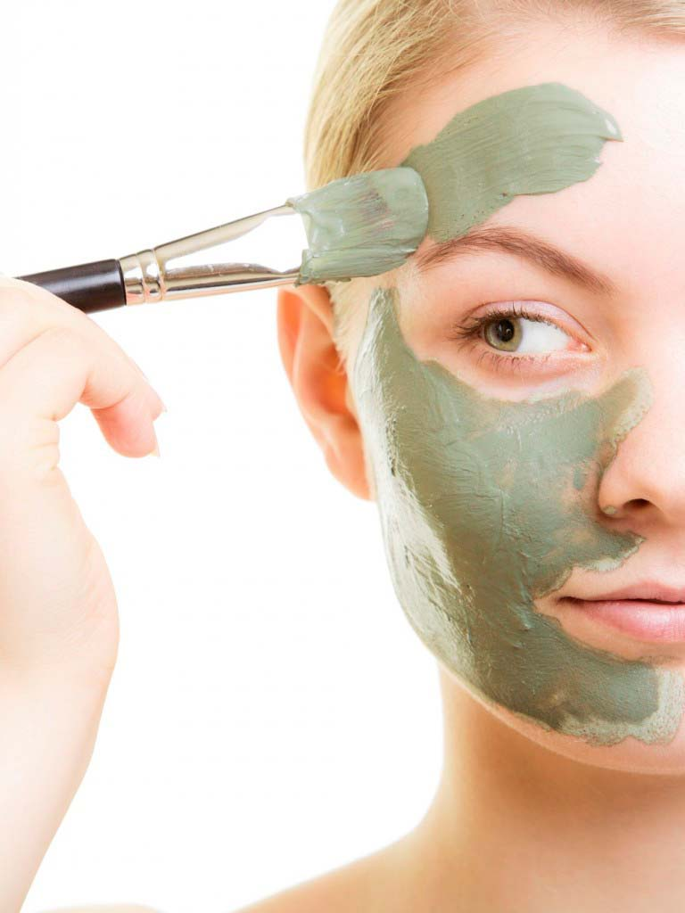 lo que debes de saber antes de maquillarte si tienes la piel grasa