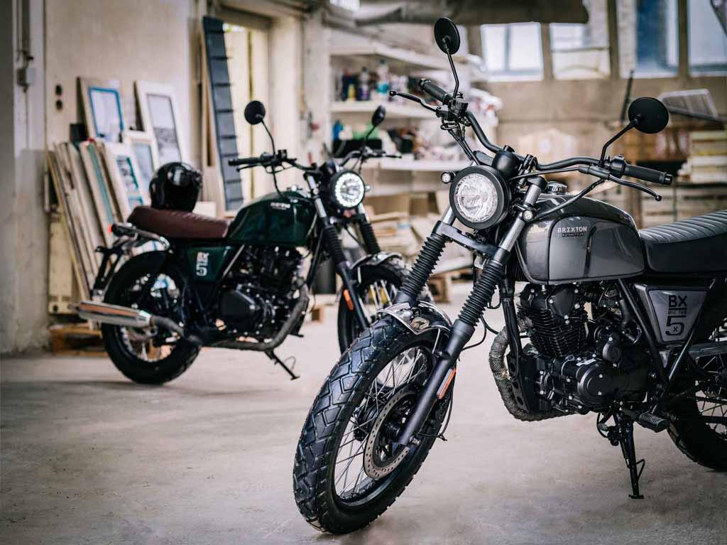 lambretta, moto barata, moto urbana, prueba brixton, prueba moto, test moto, moto ciudad