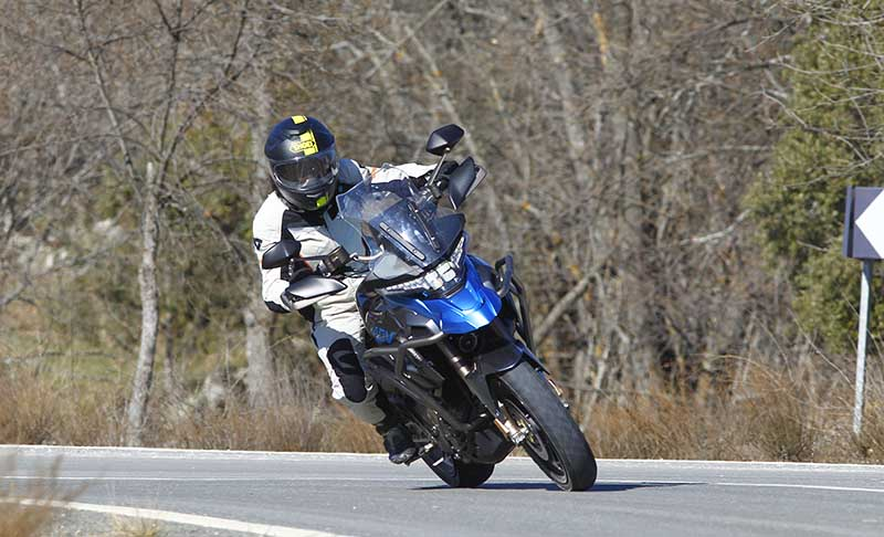 zontes t310, moto trail, moto trail 300cc, moto trail para mujer, moto para mujeres bajitas, moto trail de media cilindrada, moto zontes, motos chinas, moto trail chinas