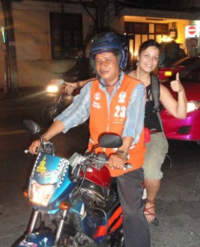 Mi primer paseo en moto-taxi, hace 5 años