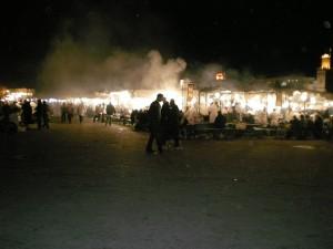 Plaza Jeema el Fna al anochecer