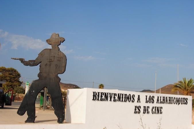 Entrada al municipio de los Albaricoques