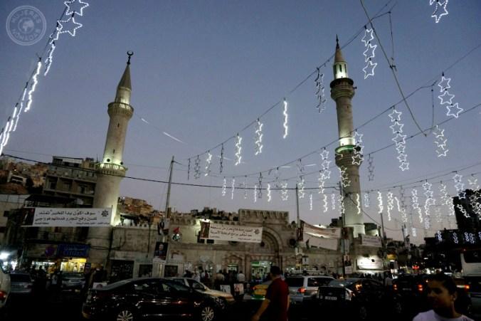 Amán, zona de las mezquitas al anochecer.