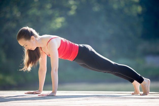 plancha pilates flexiones mujer