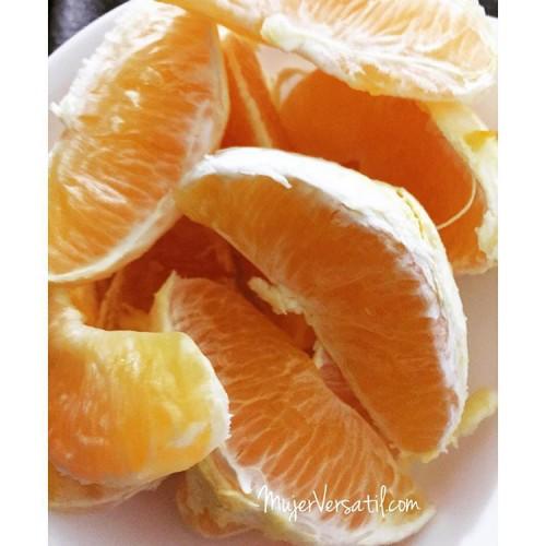 Snack para ver movies. #food #foodie #foodporn #Fruits #orange #mujerversatil