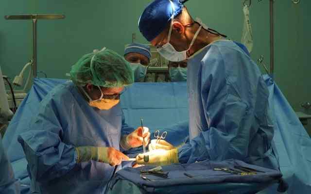 Tratamiento quirúrgico del cáncer de colon