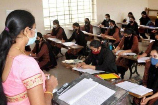 بھارت: مسلمان اسکول ٹیچر پاکستان کی جیت پر خوشی منانے پر نوکری سے فارغ