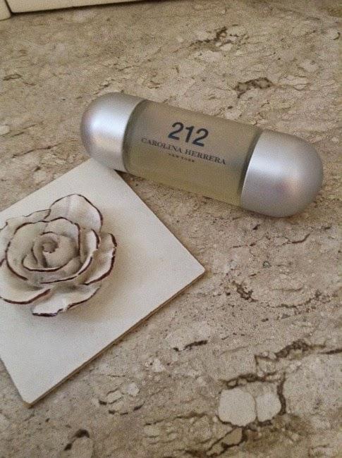 212 Carolina Herrera resenha de perfume