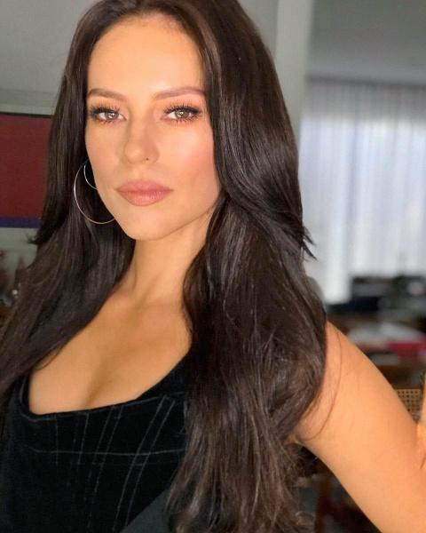 Cor cabelo Paolla Oliveira Virginia A dona do Pedaço