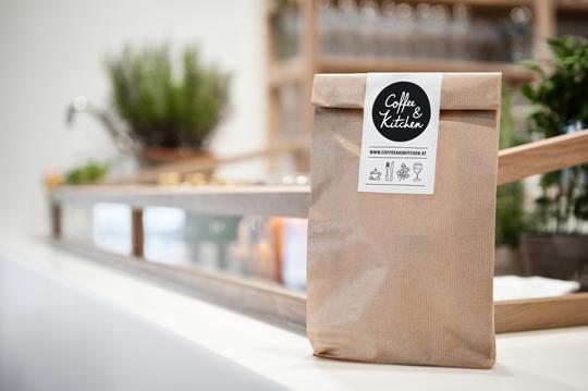 moodely_brand_identity_coffee_kitchen_corporate_design_fuiz_lugitsch_09