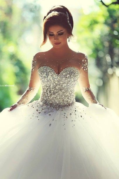 0d1fc14eba1f4d65abeba2ff85c5f0cf--sweetheart-wedding-dress-beautiful-wedding-dress