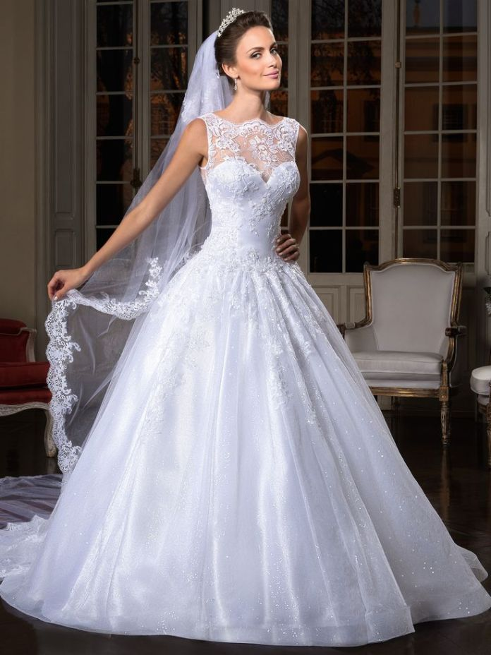 1738c90debebc512967af5ec63072711--lace-bridal-gowns-lace-wedding-dresses