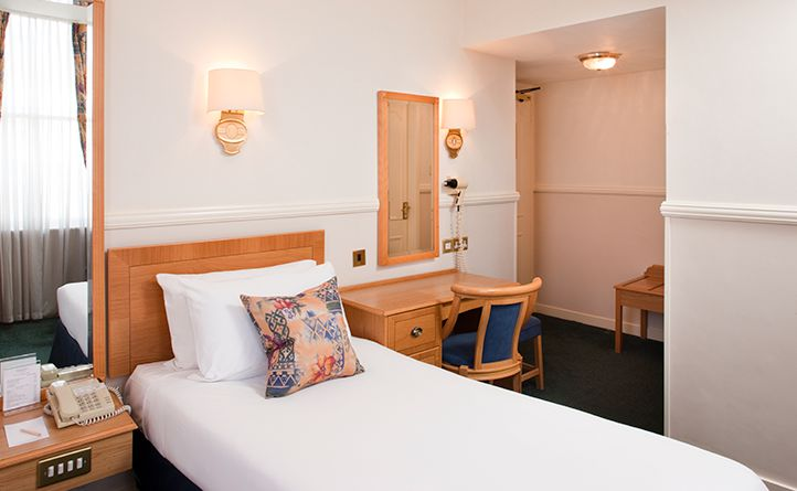 Berjaya Eden Park London Hotel - Classic Single Room - Room