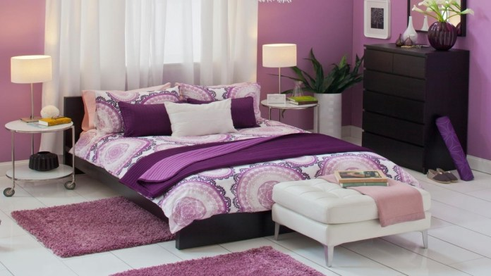 pink-color-bedroom-for-newly-married-couple-JqvIjYxr