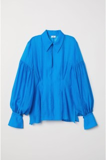 5. Balloon sleeves blouse 59.99€