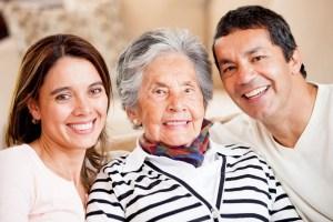 El Cuidado De Las Personas Mayores En Las Familias De Inmigrantes: 10 Retos Y Soluciones