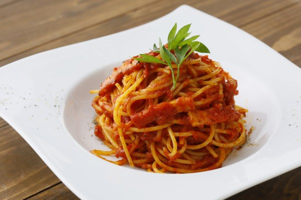 List of soft foods that seniors can eat spaghetti bolgnase on a white plate forumfinder Images