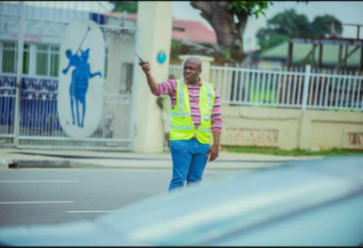 PHOTOS: marksman Chinedu Ijiomah spot controlling traffic in Port Harcourt
